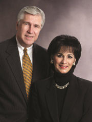 Shelton-Floyd-and Glenna-Nesbitt LA Relocation Specialist